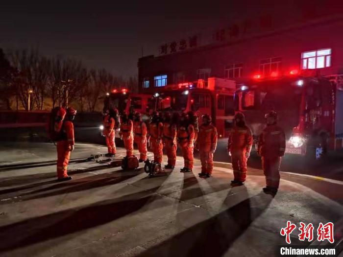 石河子救援力量集合待命。 新疆消防救援总队提供 摄