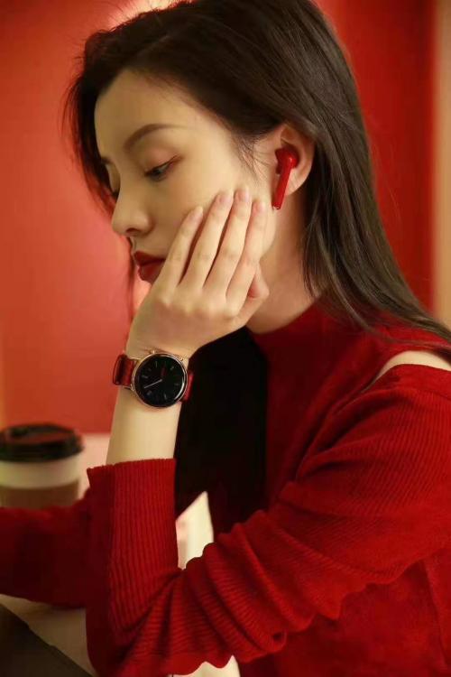 华为Watch GT2新年款暖心来袭,开启红色潮流时尚新年
