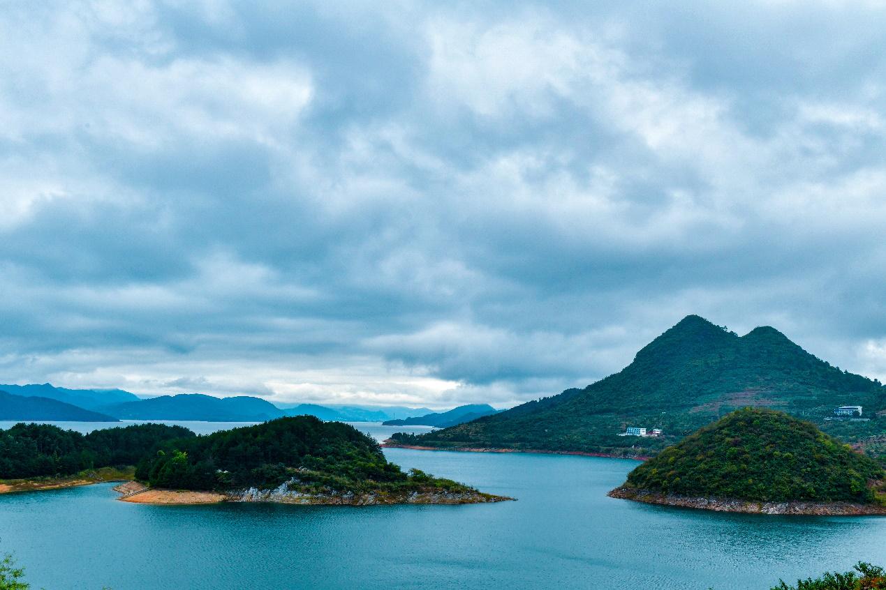 【文化扶贫在行动·湖南篇】东江湖给资兴人带来幸福图片