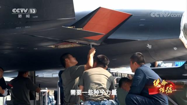 无侦8是我国首款飞行高度超30公里的无人机,领先美军未来SR72