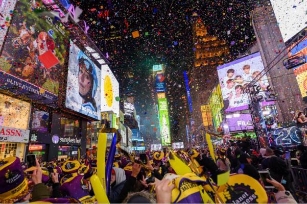 时报广场盛大的跨年盛典(图源:美国合众社)