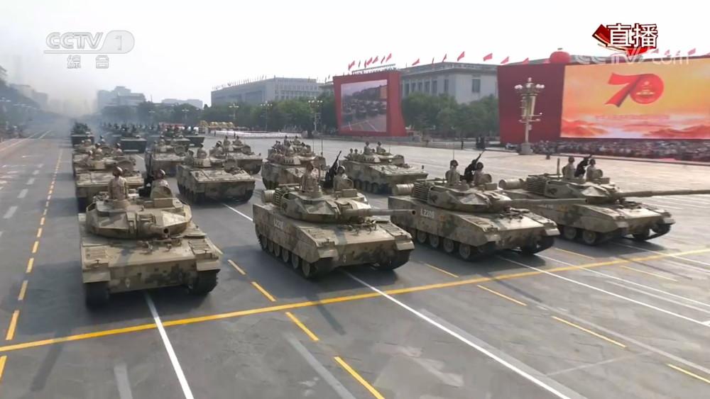 我军机械化建设今年将有巨大突破 大量装备15式轻坦