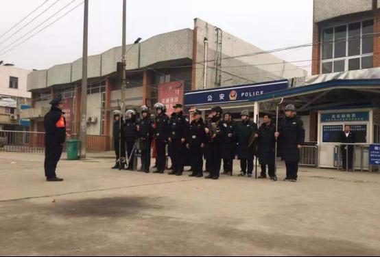 河南省南召县公安局河东派出所联合开展反恐演练夯实平安守护