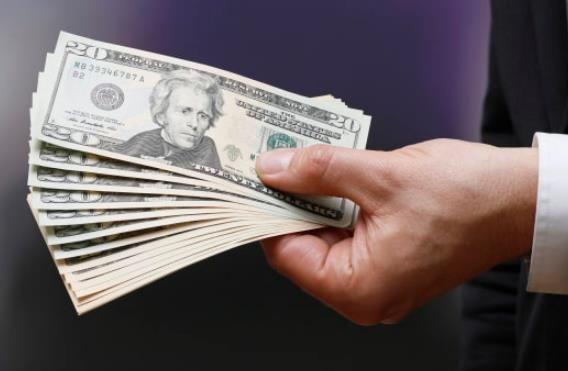 贫富差距大!英报告:46亿人财产难敌全球最富的两千多人