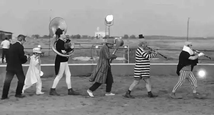 费里尼诞辰100周年,造梦小丑终将回到罗马