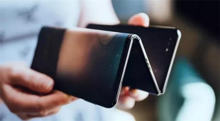 三星双折叠手机GalaxyZ曝光::类似于TCL10寸原型机