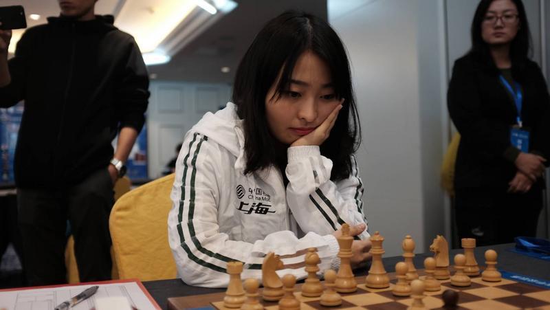 【国象女子世界冠军对抗赛】制造复杂变化,居文君残局获胜扳平比分