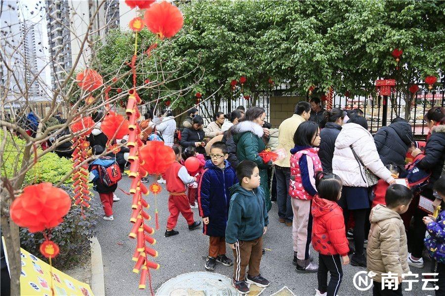 """广西—东盟经开区:幼儿园里逛""""庙会"""" 品中国传统文化"""