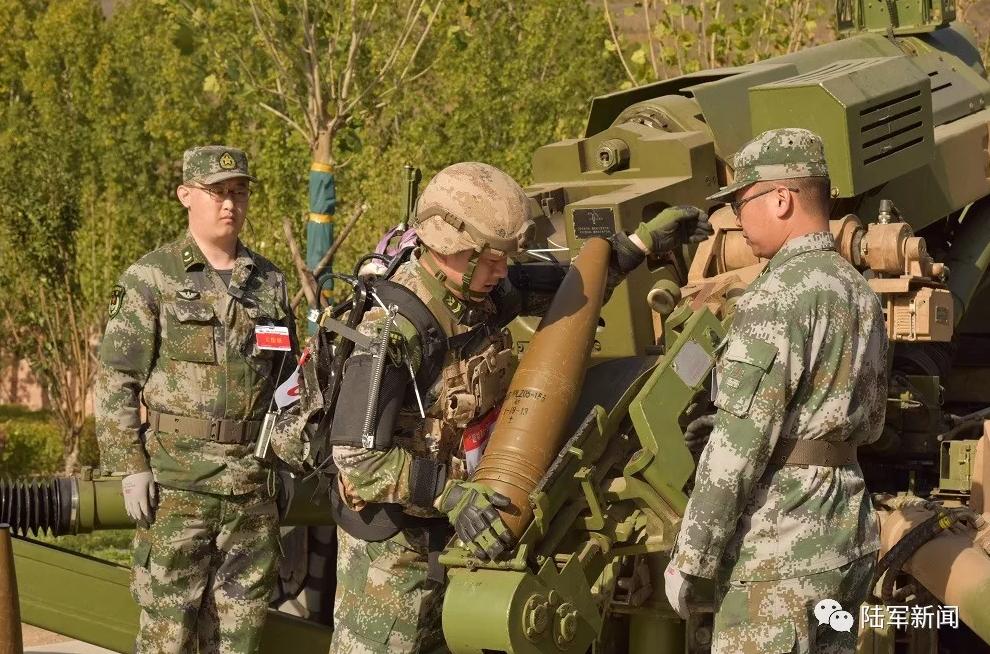 新利器!西藏边防战士穿单兵外骨骼送货图片