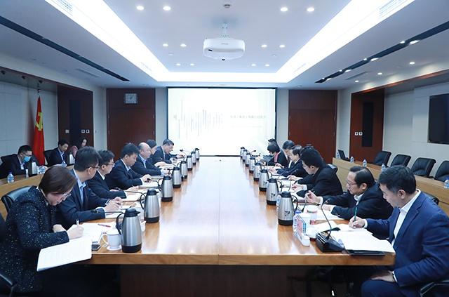 杜文民会见华润集团党委委员、纪委书记潘福