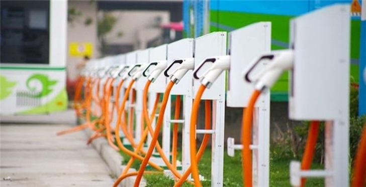 """寒冬过后迎""""春至""""?一览新能源<a href=http://luliuku.com/auto/ target=_blank class=infotextkey>汽车</a>的电池""""暗战"""""""