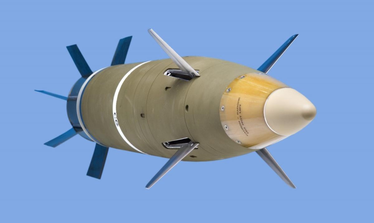 """M982""""亚瑟王神剑""""增程制导炮弹具有很强的精确打击能力"""