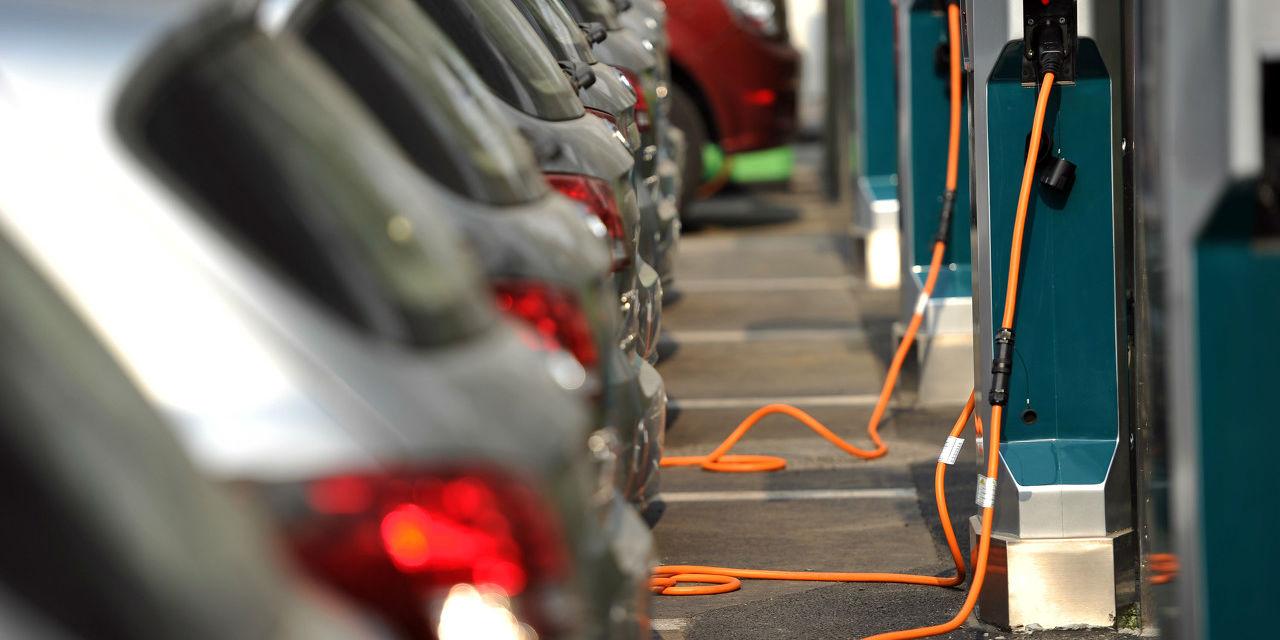 工信部再补充说明新能源汽车补贴问题:政策详情待定但会平缓退坡