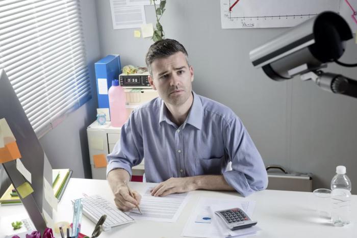 微软新专利曝光 可以与会者面部表情和肢体语言为会议打分