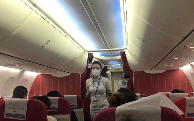 海航、重航:空乘人员执飞武汉航线可佩戴口罩图片