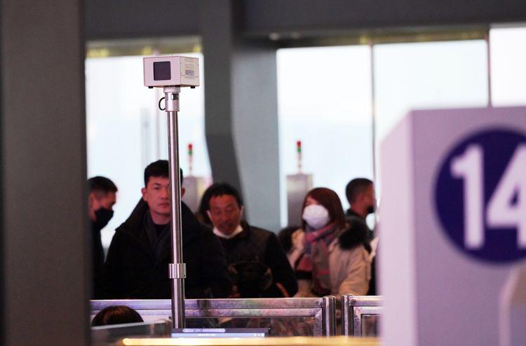 多图直击 疫情下的武汉高铁站 配16台红外测温仪防控图片