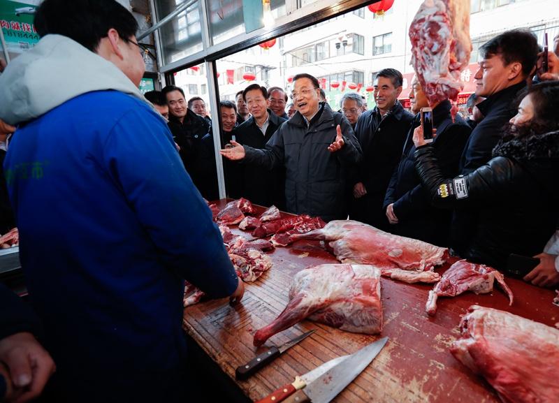李克强考察青海:让老百姓吃得上肉 过个好年图片