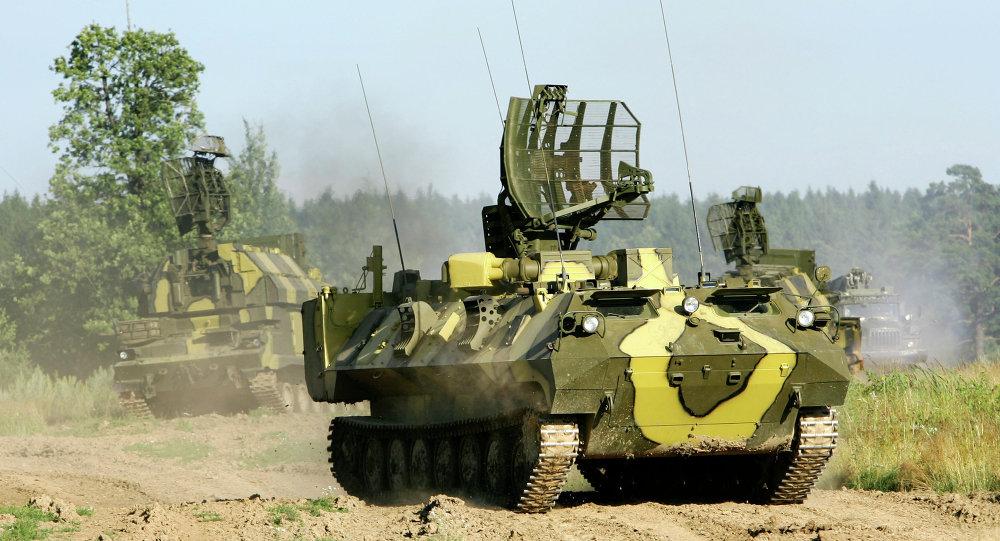 """俄制""""道尔-M1""""防空导弹 图源:美联社"""