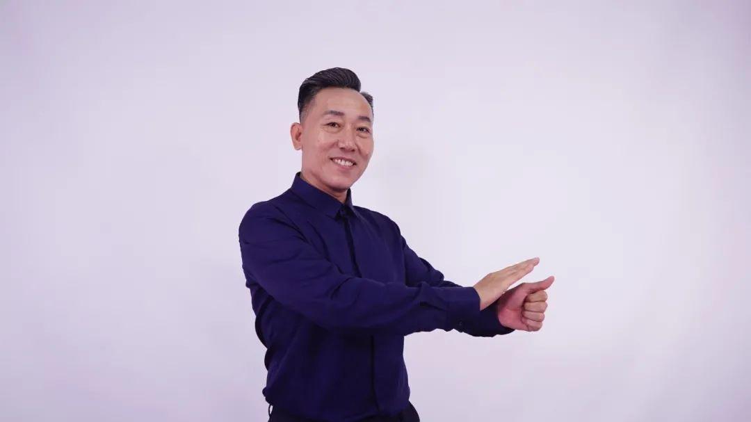 天理人 |天理榜样·最美教师:李子刚图片
