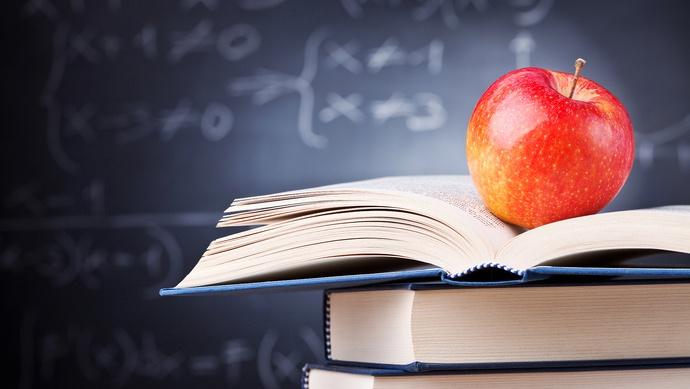 全国义教阶段辍学生由60万降至831人图片
