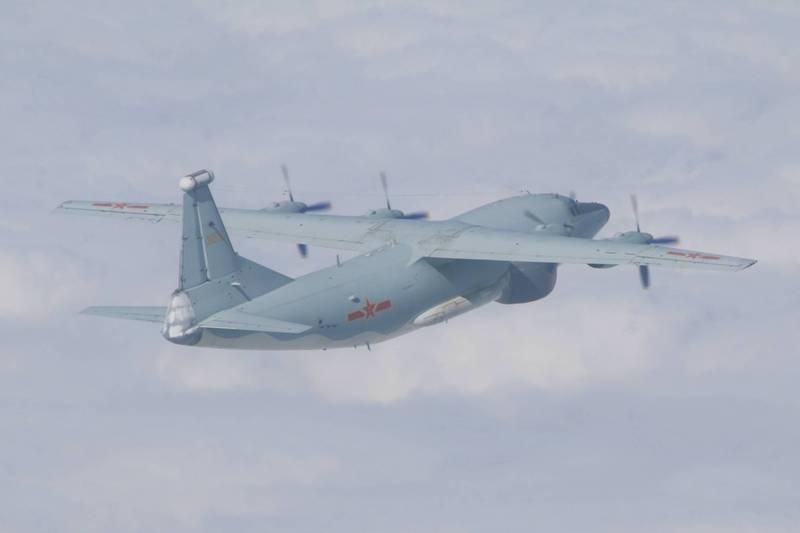 台媒:解放军军机进入台湾邻近空域 美军机同日现身