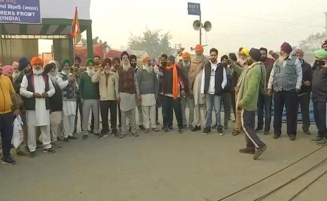 印度爆发农民抗议 现场两名高级警官感染新冠病毒