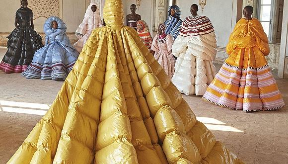 是日美好事物 | Moncler和Valentino合作羽绒蓬蓬裙,描画出轻盈裸色的MAC彩妆