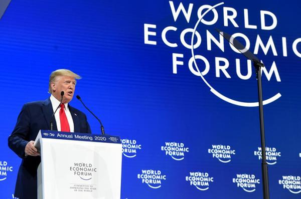 特朗普达沃斯致辞:大谈经济为选战造势,与通贝里隔空辩论