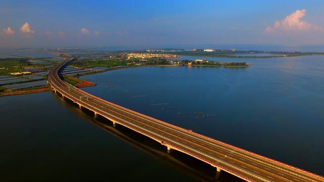 """中国第一条""""智慧高速""""将在亚运会前通车,外国人:中国基建无敌"""