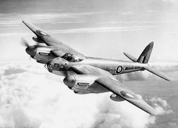 二战英国传奇轰炸机,配装新型速射机炮,曾令德军潜艇不敢露面