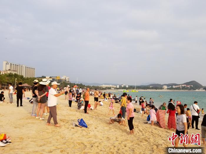 春节三亚旅游企业推优惠套餐揽客