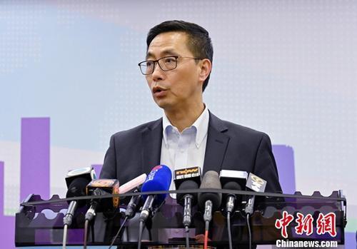 香港教育局局长:有责任慎重处理有损教师专业事件