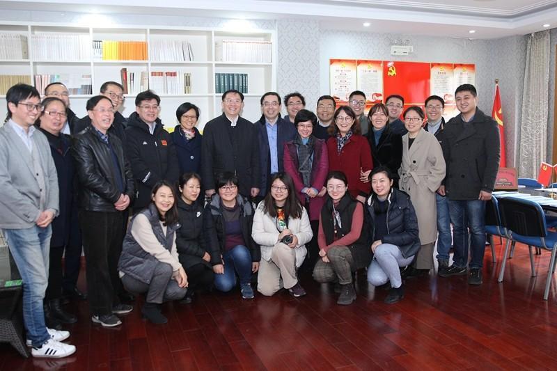 上海交大校领导寒假慰问老领导、老教师及在岗教职工