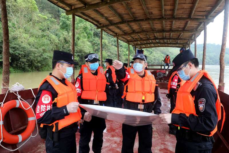 广西边检总站今年查处非法出入境人员6400余人图片