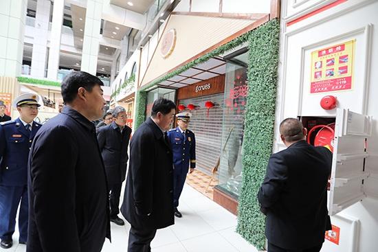 潍坊市委常委、副市长刘建国带队开展春节前消防安全检查并慰问消防指战员