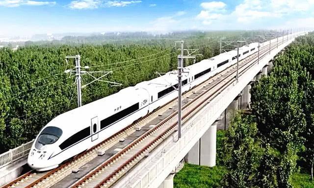 中国都将高铁轨道建在高架桥上,这是为什么呢?工程师太机智了