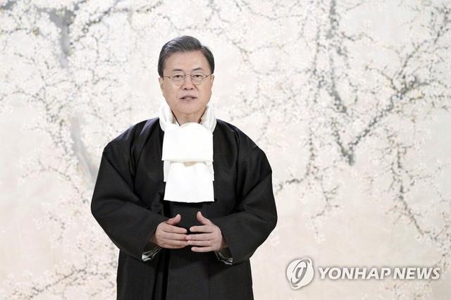 文在寅发拜年视频:将尽快让国民与朝鲜亲人团聚