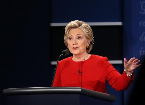 外媒:美民主党大选前起内讧 希拉里借纪录片攻击桑德斯