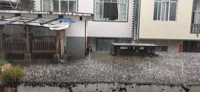 百色玉林出现冰雹!广西未来几天持续降温、雨水当道
