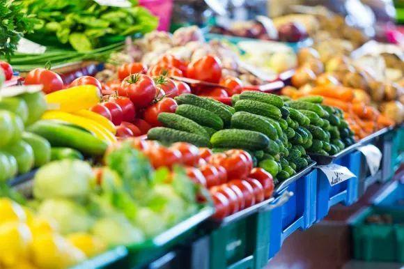 """武汉""""天价蔬菜""""情况不普及,南菜北运、供应充足 官方呼吁武汉市民勿恐慌囤货"""