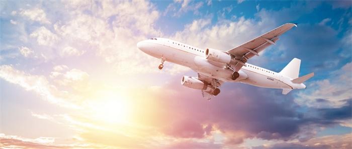 """波音史上最大双引擎客机将首次试飞 亏90亿美元后它成""""救命稻草"""""""