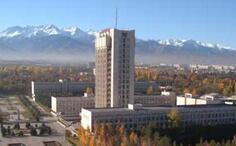 哈萨克斯坦阿拉木图高校举行晚会过春节