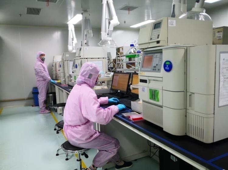 掌握新型冠状病毒检测试剂核心技术的上海企业,连夜召回35名一线员工赶工
