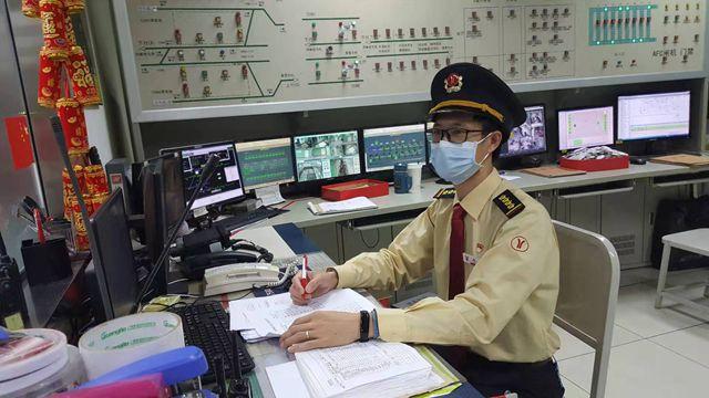 植物园站副站长:在地铁坚守的第14个春节 做好各项防疫工作