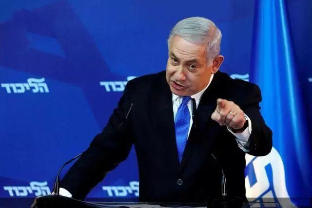马克龙遭以色列警察围堵,法国果断出动核航母,白宫呼吁双方克制