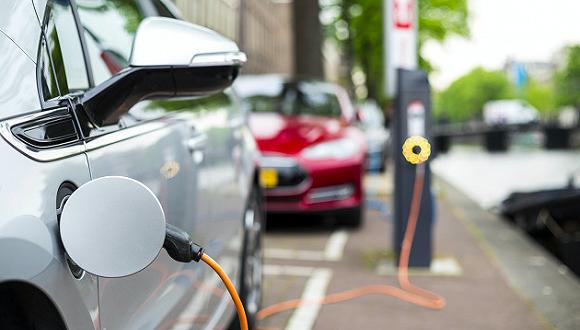 J.D. Power:消费者对自动驾驶和