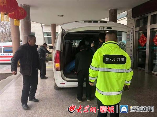 """阳谷交警为生命开通""""绿色通道"""""""