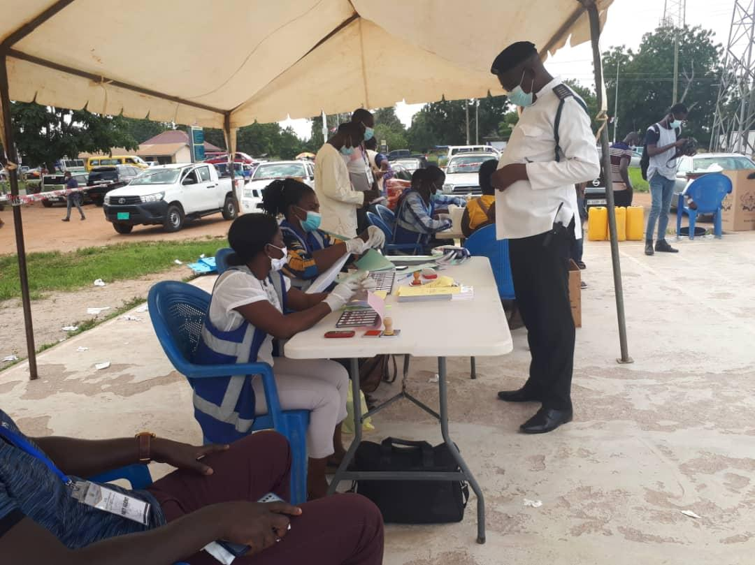 加纳大选在即 政府部署超6万名安保人员维护秩序
