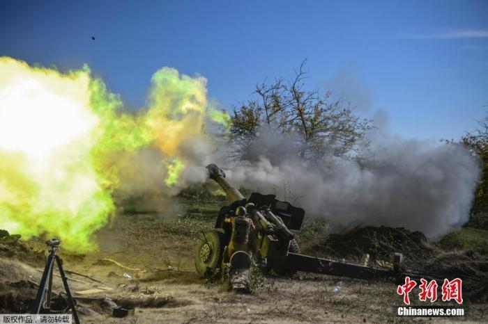 俄维和人员在纳卡执行排雷任务 亚阿接触线全面停火