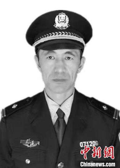 内蒙古一民警在新型冠状病毒肺炎疫情防控一线殉职